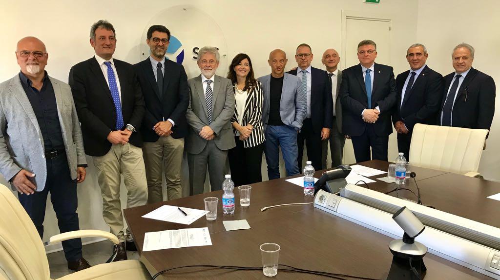 Pescara Camera Di Commercio : Sicilia e abruzzo più vicine col catania pescara anche nel segno di