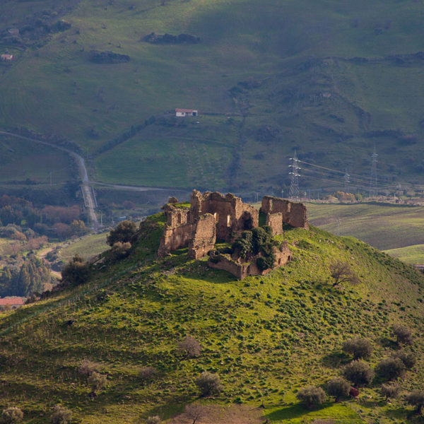 Rovine del monastero di San Michele Arcangelo a Troina