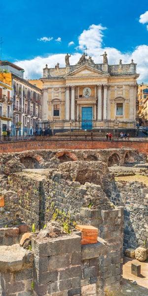 Vista delle rovine dell'anfiteatro di Catania