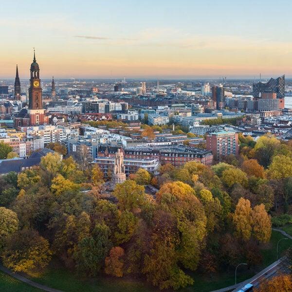Vista della città di Amburgo dall'alto