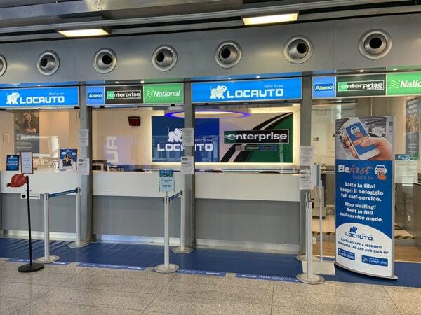 Desk Locauto aeroporto di Catania